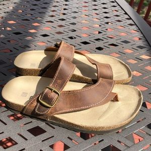 WHITE MOUNTAIN GENUINE LEATHER CARLY SANDALS SZ:9M